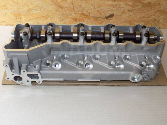 Головка блока цилиндров. Mitsubishi: 1/2T Truck, L200, Delica, Pajero, Nativa, Montero, Montero Sport, Pajero Sport, Challenger Двигатель 4M40