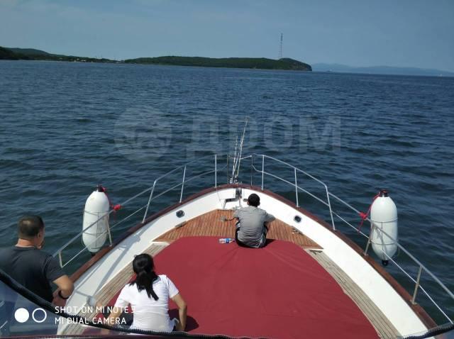 Аренда катера 45 футов, для отдыха и рыбалки. Владивосток. 15 человек, 20км/ч