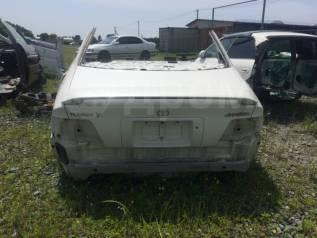 Задняя часть автомобиля. Toyota Chaser, JZX100
