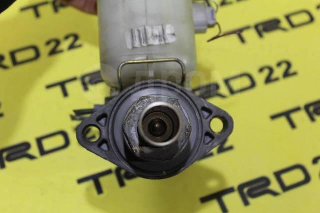 Цилиндр главный тормозной. Toyota Kluger V, ACU20, ACU20W, ACU25, ACU25W, MCU20, MCU20W, MCU25, MCU25W Toyota Kluger, MCU28 Toyota Kluger Hybrid, MHU2...