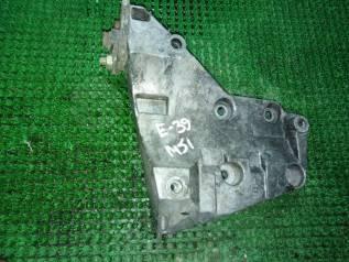 Крепление компрессора кондиционера. BMW 5-Series, E39 Двигатели: M51D25, M51D25T, M51D25TU