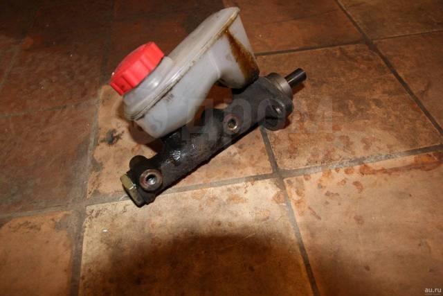 Бачок для тормозной жидкости. Москвич 2141