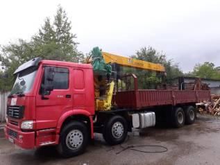 Howo. Автобобиль грузовой бортовой HOWO ZZ1317N3267D1, оборудованный краном, 9 726куб. см., 25 000кг., 8x4
