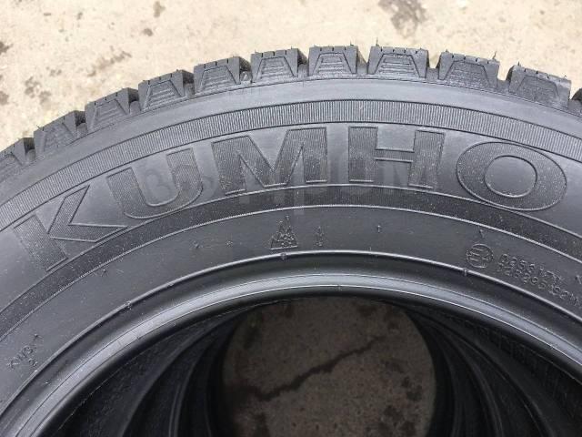 Kumho I'Zen KW31. Зимние, без шипов, 2018 год, без износа, 4 шт