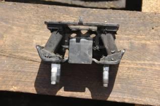 Подушка коробки передач. Toyota Crown Majesta, UZS186 Двигатель 3UZFE