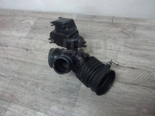 Патрубок воздухозаборника. Nissan Serena, C24, PC24, PNC24 Двигатель SR20DE