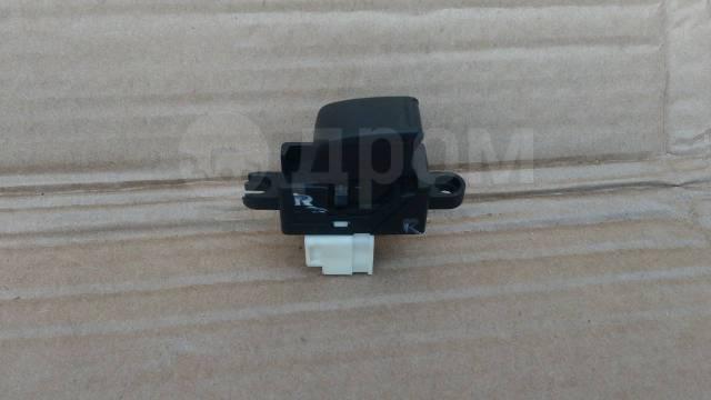 Кнопка стеклоподъемника задняя Nissan X-Trail