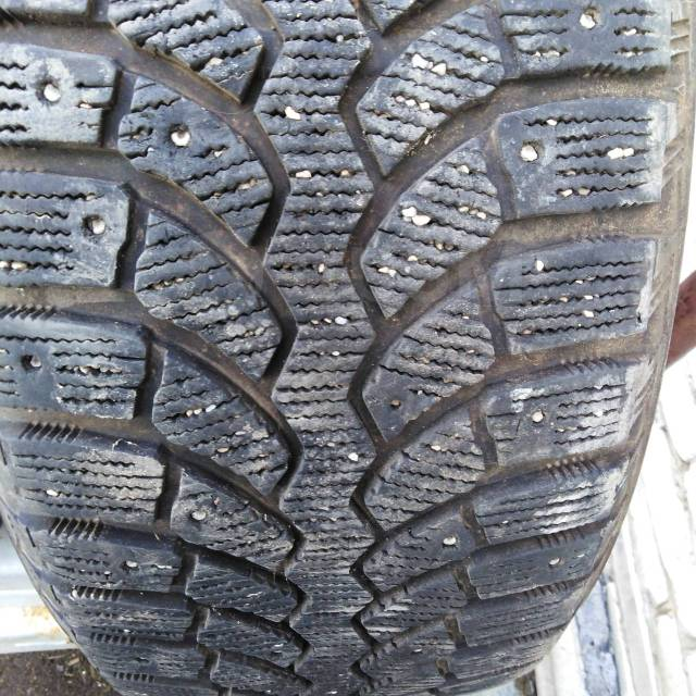 Bridgestone Blizzak Spike-01. Зимние, шипованные, 2016 год, 30%, 4 шт