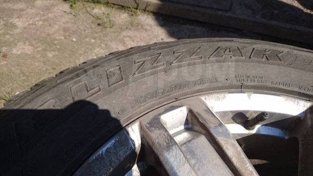 Продам комплект зимних колес Bridgestone Blizzak dm-v1 265/65r17 112r