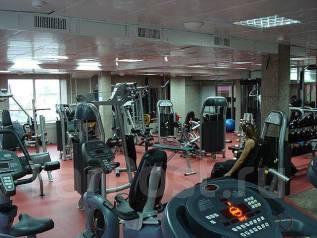 """Фитнес центр """"Fitness Max"""" 100 летие Приглашает новых друзей."""