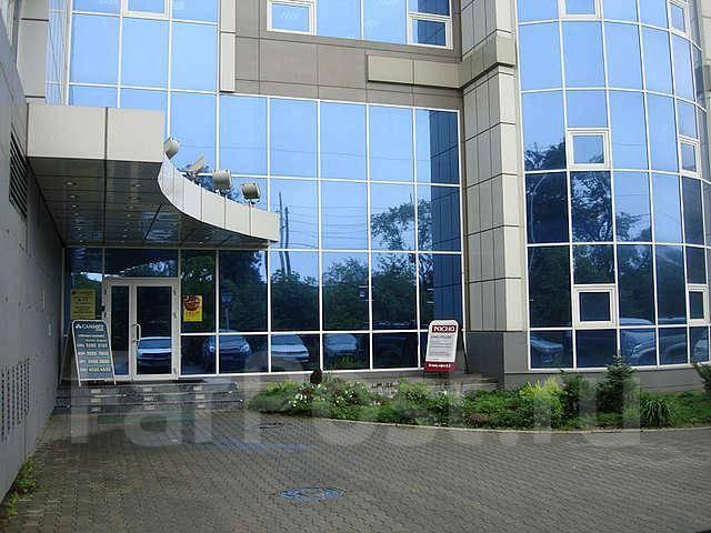 Бизнес-центры и офисы. 36 кв.м., проспект Красного Знамени 3, р-н Первая речка. Дом снаружи