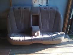Задний диван на Кресту