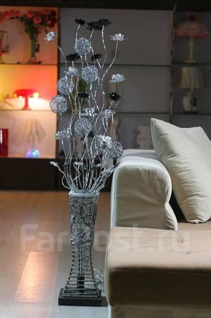 Светильник ваза с цветами напольная