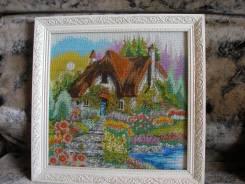 """Картина вышитая бисером """"Сказочный домик"""""""