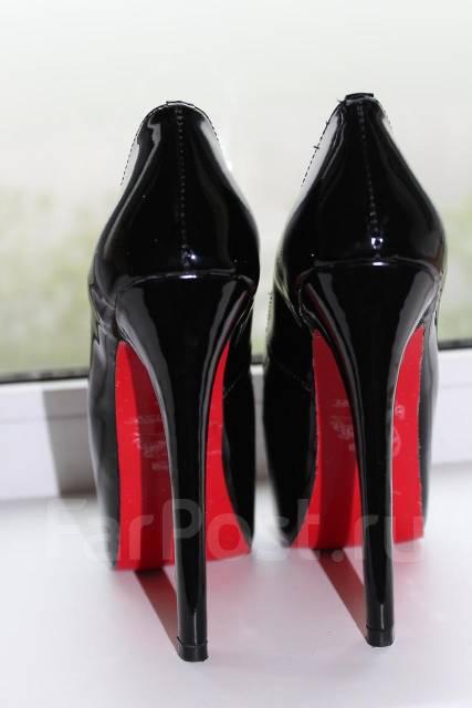 Роскошные туфельки от Christian Louboutin, КОЖА в наличии. Коллекция2012. 34