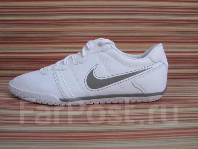 белые кроссовки найк фото мужские
