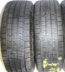 Pirelli Winter Ice Storm. Зимние, без шипов, 2007 год, износ: 20%, 2 шт