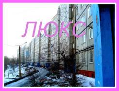Комната, улица Сабанеева 21. Баляева, агентство, 14,0кв.м. Дом снаружи