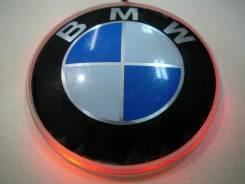 Логотип BMW вместо штатного с красной подсветкой