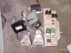 Блок предохранителей. Toyota Mark II, JZX100 Двигатель 1JZFE