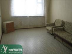 1-комнатная, улица Нейбута 38. 64, 71 микрорайоны, агентство, 36 кв.м. Комната