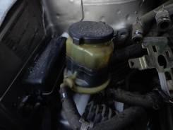 Крышка бачка гидравлического усилителя руля. Toyota Ipsum, 26 Двигатели: 2AZFE, 2AZ