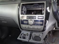 Консоль панели приборов. Toyota Ipsum, 26 Двигатели: 2AZFE, 2AZ