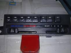 Кронштейн климат-контроля. Mazda 626