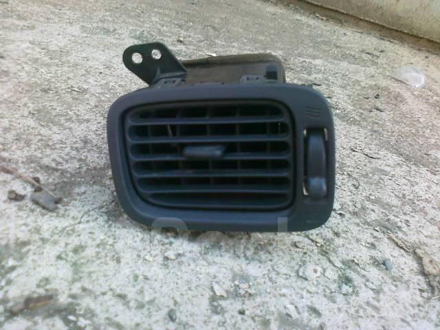 Решетка вентиляционная. Toyota Corolla Levin, AE111 Двигатель 4AGE