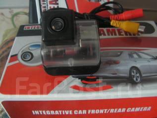 Камера заднего вида с подсветкой Mazda