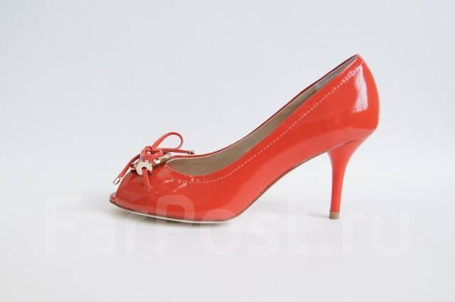 039ca873c2ed Коралловые туфли Dior на низком каблуке - Обувь во Владивостоке