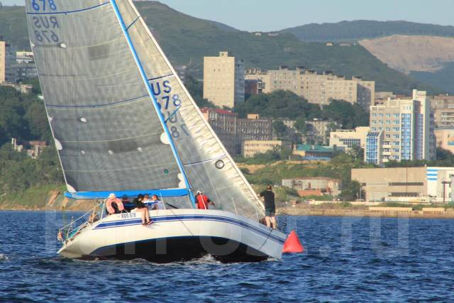 Продается крейсерско-гоночная парусная яхта. Длина 12,41м., 1989 год год