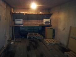 Продам гараж. Тобольская ул. 29, р-н Третья рабочая, 18,0кв.м., электричество. Вид изнутри