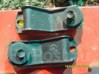 Крепление радиатора кондиционера. Toyota Aristo, JZS160 Двигатель 2JZGE