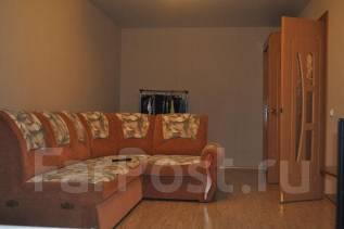 1-комнатная, улица Славянская 17. Гайдамак, частное лицо, 41 кв.м. Комната