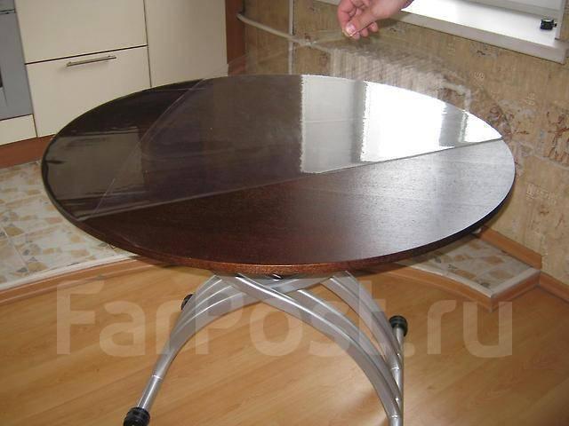 круглый стол трансформер превращается из обеденного в журнальный