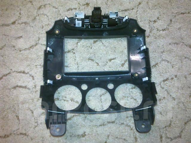 Панель для магнитофона Mazda Demio. DE3FS