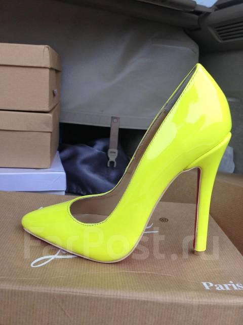 Желтые туфли лодочки Christian Louboutin - Обувь во Владивостоке 3d9a5004e8d1c