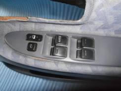 Блок управления стеклоподъемниками. Toyota Ipsum, SXM10
