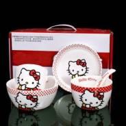 Комплект посуды Hello Kitty 3 тарелки 1 кружка и 1 ложка