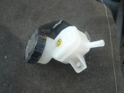 Бачок для тормозной жидкости. Toyota bB, QNC21 Двигатель 3SZVE