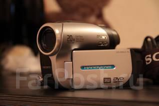 Sony Handycam. с объективом