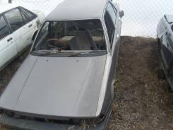 Капот. Toyota Carina