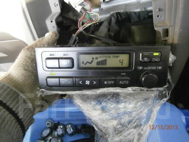 Блок управления климат-контролем. Toyota Ipsum, SXM15, SXM15G