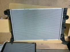 Радиатор охлаждения двигателя. Mercedes-Benz E-Class, W212