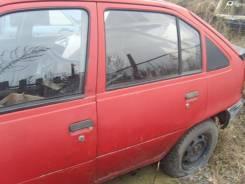 Стекло боковое. Opel Kadett