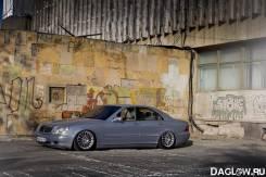 Mercedes-Benz S-Class. 220175