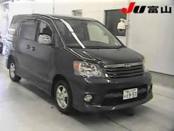 Toyota Noah. AZR65, 1AZ