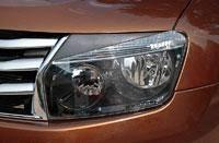 Накладка на фару. Renault Duster