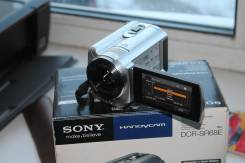 Sony DCR-SR88E. 10 - 14.9 Мп, с объективом